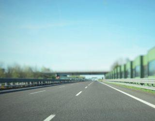 Czescy urzędnicy rozważają zakazanie jazdy ciężarówek po lewym pasie