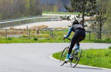 Złość branży transportowej spowodowana przydzielaniem rowerzystom przestrzeni drogowej