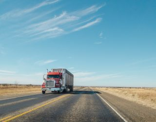 Niedobór kierowców ciężarówek rozprzestrzenia się po całej Europie