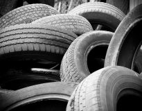Znaczenie właściwego ustawienia opon samochodów ciężarowych