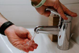 Kierowcy ciężarówek pozbawieni możliwości mycia rąk