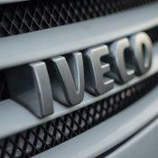 Nowe ciężarówki dla Poczty — Polskiej IVECO Eurocargo z zabudową kontenerową i windami załadunkowymi