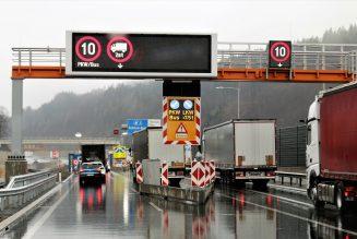 Elektroniczna kolejka do granicy PL/UA – miała ułatwić życie kierowców, ale też je komplikuje