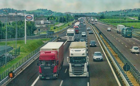 e-TOLL: 5 rzeczy, które musisz wiedzieć o nowym systemie opłat drogowych