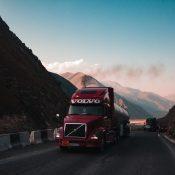 Volvo VNL do normalnej pracy w Europie, na międzynarodowych trasach z cysternami