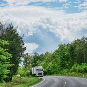 Ciężarówki na gaz ziemny bardziej szkodliwe niż diesle?